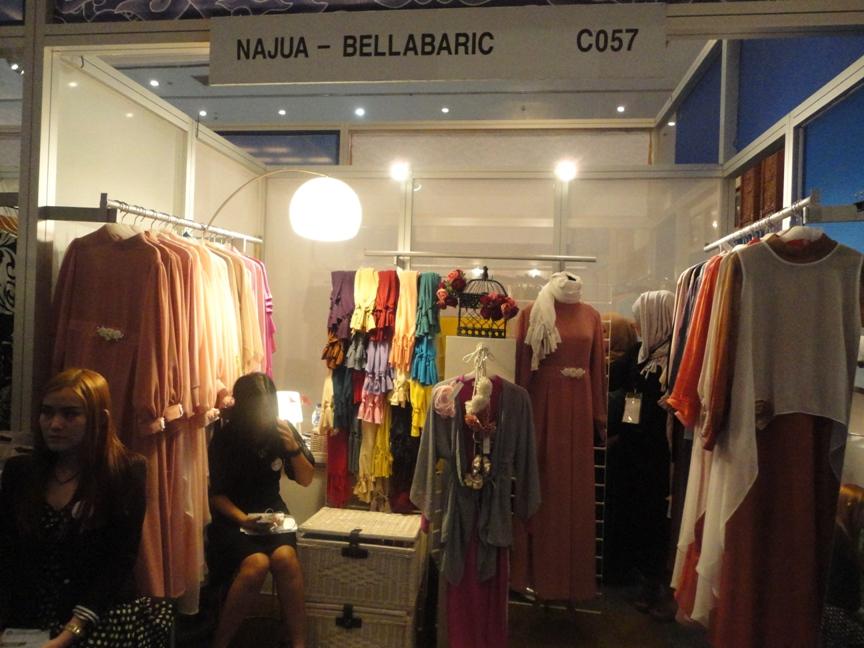 Salah satu tenant yang mengisi Indnesia Fashion Week 2015