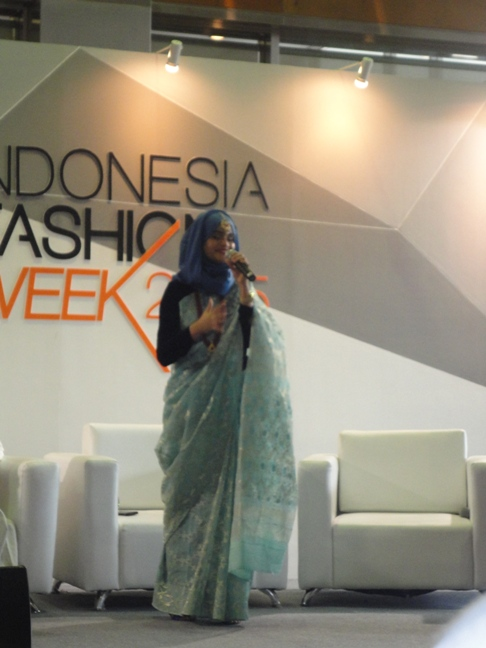 Salah satu Talkshow juga menghadirkan Blogger Internasional dari Bangladesh
